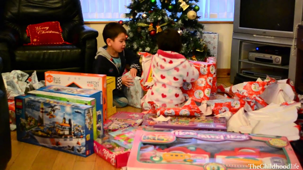 Christmas Morning 2013 -Kids Opening Christmas Presents - YouTube