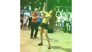رقص مصري ناري في شوارع باريس ????