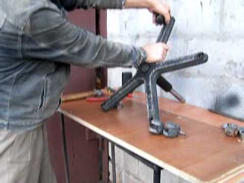 Производство напольных зеркал на колесах для танцевальных и выставочных залов.