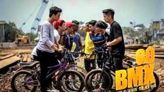 Video Mahirs - Mengejar Mimpi (Ost. GO BMX dan lirik Lagu) download MP3, 3GP, MP4, WEBM, AVI, FLV Mei 2018