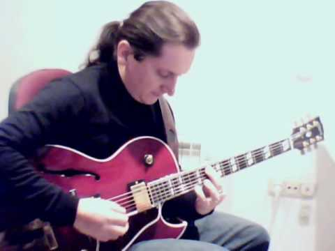White Christmas Jazz Guitar  /  Gibson L-4