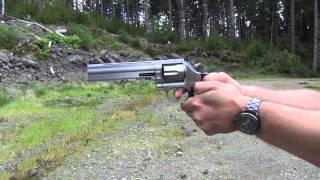 Dan Wesson 715 .357 Magnum Revolver (HD)