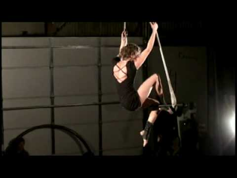 Shannie Solo Trapeze Act