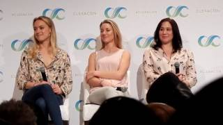 Lost Girl at ClexaCon 2017 About Bo&#39s Slow-Mo Carwash Scene