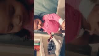 DAUGHTER DOES HER MAKE-UP  Mini BEAUTY GURU