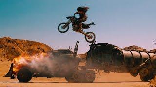 Банда байкеров атакует фуру — «Безумный Макс: Дорога ярости» (2015) сцена 5/10 HD