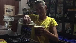 Načepovat do plastové lahve a pak přelít do kelímku