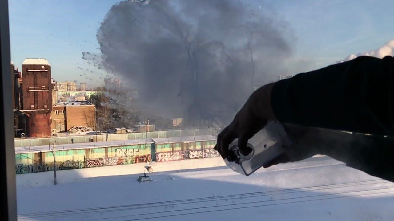Experimentos con agua hirviendo cuando hace -27ºC en Moscú