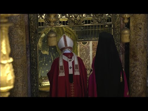 Pope Gives To The Main Orthodox Leader The Relic Of St. Peter From His Private Chapel