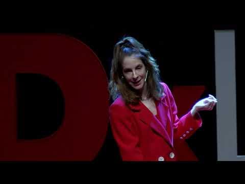 La inseguridad podría privarte de ser el mejor artista de tu generación | Inés de León | TEDxLeon