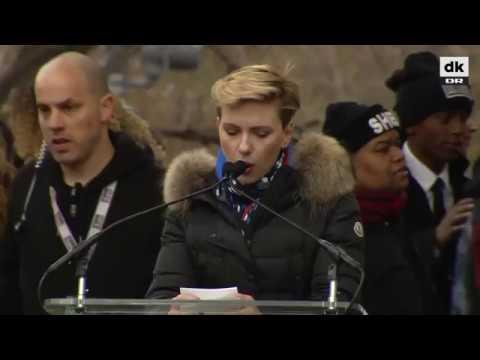 Scarlett Johansson: Jeg stemte ikke på dig, Trump