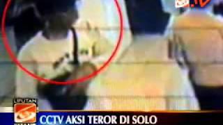 Aksi Pelaku Bom GBIS Terekam CCTV