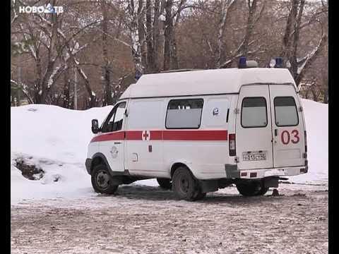 видео: Не дождавшись скорой помощи, сам повёз ребёнка в больницу.