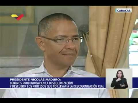 Maduro asigna a Ernesto Villegas la creación del Instituto Nacional para la Descolonización