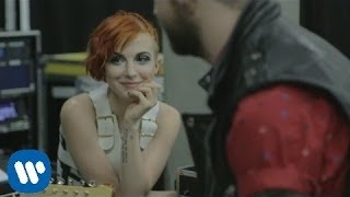 Paramore: Daydreaming [OFFICIAL VIDEO]