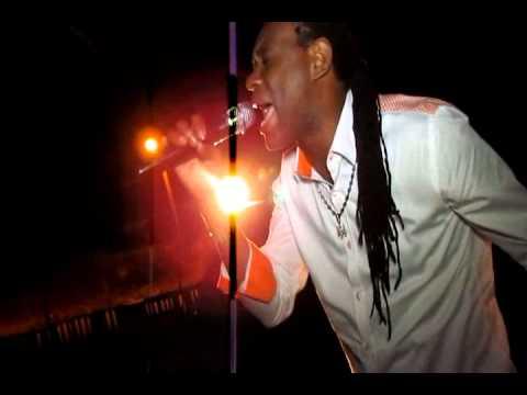 Thriller U in concert