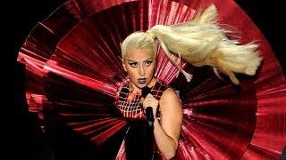 "Baixar Lady Gaga Releases ""Applause"" Following Leaks"