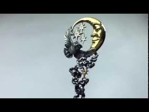 Серебряная погремушка для ребенка — полезный и запоминающийся подарок новорождённому. Доставим в любой город мира, любой регион россии.