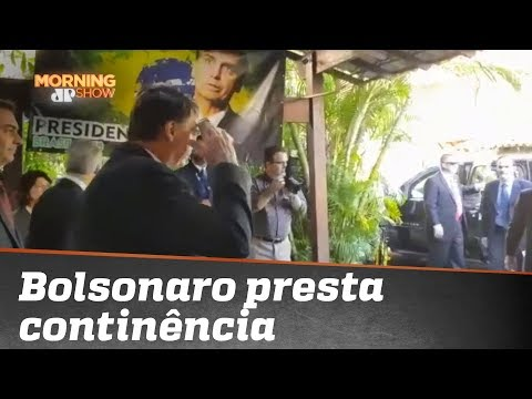 Bolsonaro mostra ser subserviente aos EUA ao bater continência a assessor americano?