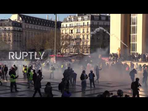France: Projectiles rain down on Paris police at Yellow Vests protest