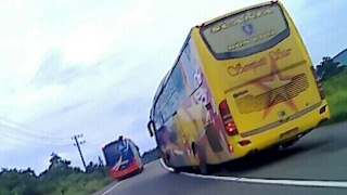 DUEL SENGIT SCANIA K360 VS MERCEDES BENZ 1836