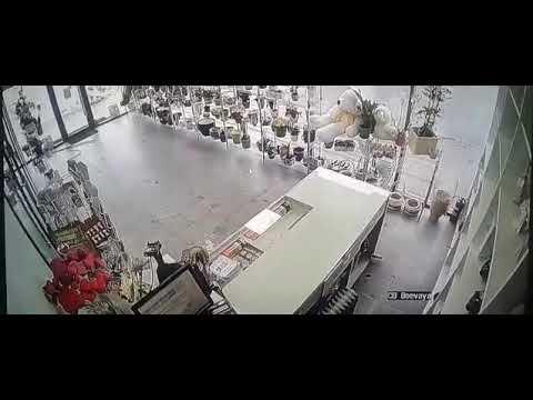 Погром в цветочном магазине в Казани