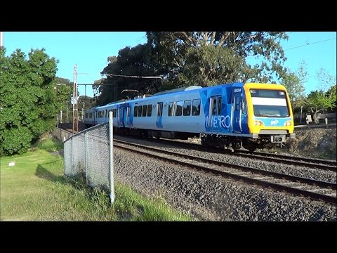 3 Carriage Trains on the Glen Waverley Line