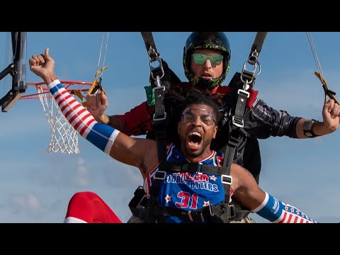 Josh Healy - Harlem Globetrotter Preforms World's Highest Slam Dunk