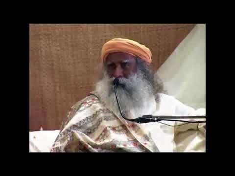 Combining Bhakthi and Karma Yoga - Sadhguru