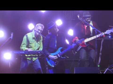 """Is It a Star"" Daryl Hall & John Oates@Verizon Center Washignton DC 6/26/17"