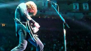 """Foo Fighters - """"Everlong"""" 11/13 Live at MSG NYC"""