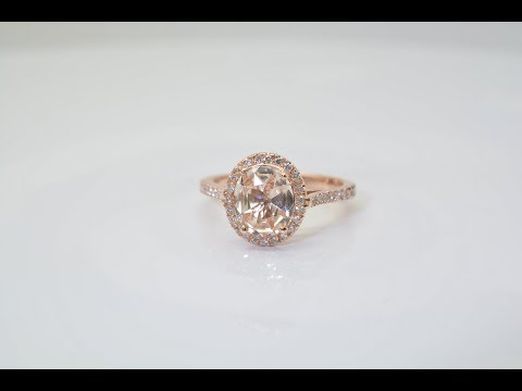 Rose Gold Engagement Ring With a Natural Sapphire