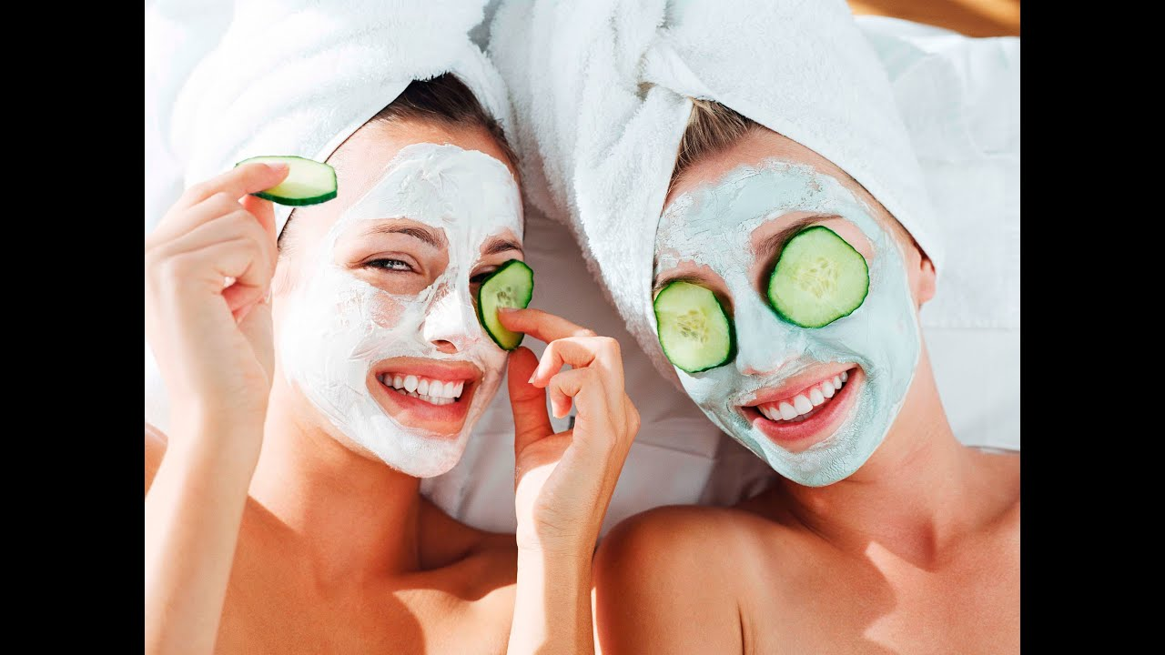 How To Give Yourself a Relaxing At-Home Facial -