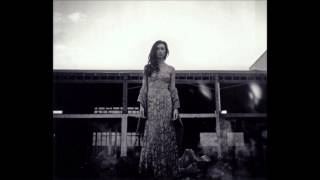 Lera Lynn Standing On The Moon