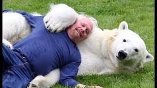 Невероятная дружба человека с дикими животными.