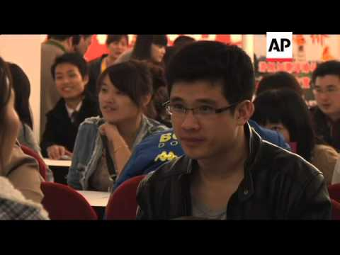 10,000 singletons attend China's first match-making emporium