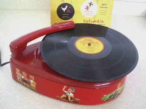 1940's Vintage Childs record player working - Music for TINY