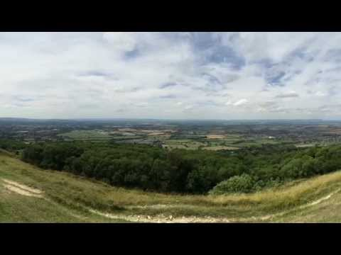 The Sunday Stroll : Cleeve Hill (highest point in the Cotswolds)