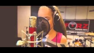 Юлия Можиловская с песней 'Если в сердце живет любовь' (cover).Ученица студии