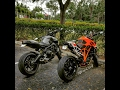 fz-09 and ktm superduke 1290 r ride with austin racing exhaust and chevy camaro tries to race us
