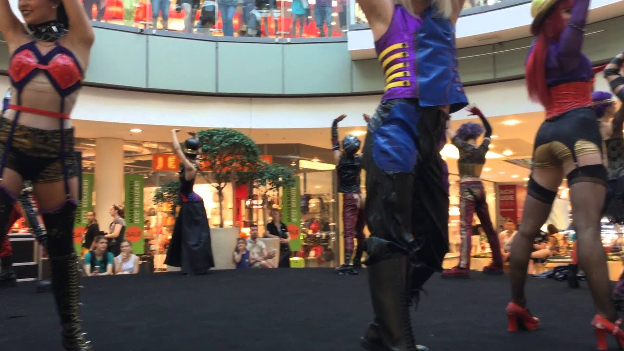 Flashmob Rocky Horror Show Allee Center Magdeburg Youtube