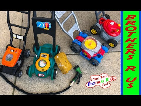 Toy Lawn Mowers Car Wash & Backyard Play With Bubbles | Brothers R Us!