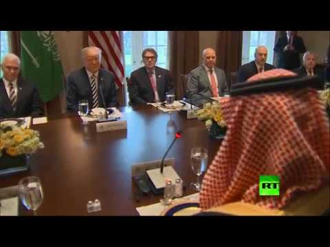 ترامب لـ بن سلمان: السعودية ثرية جدا وستعطي الولايات المتحدة بعضا من هذه الثروة  - نشر قبل 2 ساعة