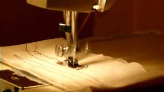 DELUXE ZIGZAG DRESSMAKER AF/SB SEWING MACHINE, 1.3 AMP HEAVY DUTY!