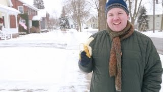 Gambar cover Clark Olson Presents: Bananas