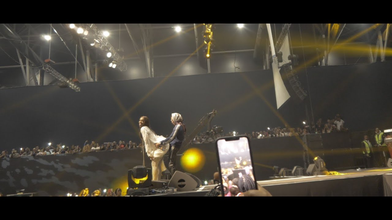 Download SEE WHAT WIZKID DID TO TIWA SAVAGE @ THE INTERSWITCH ONE AFRICA FEST DUBAI 2019