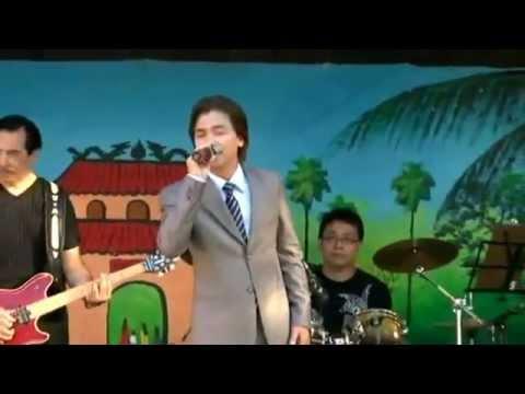 Manh Quynh Phi Nhung hat tai chua Linh Son