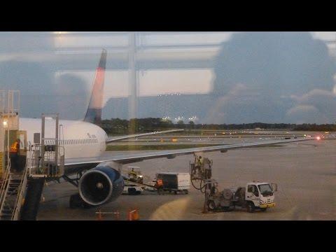 Delta B767-300 Detroit (DTW) - Orlando (MCO) Flight Experience