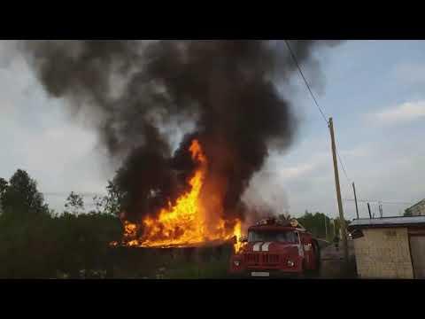 Пожар в Микуне, гаражи на Ленина