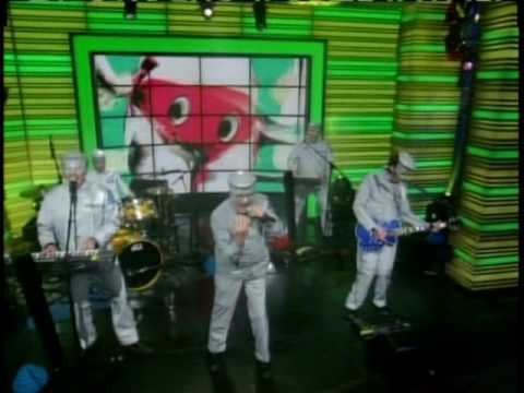 Devo - Fresh (Live on Live! with Regis and Kelly) 6-18-10